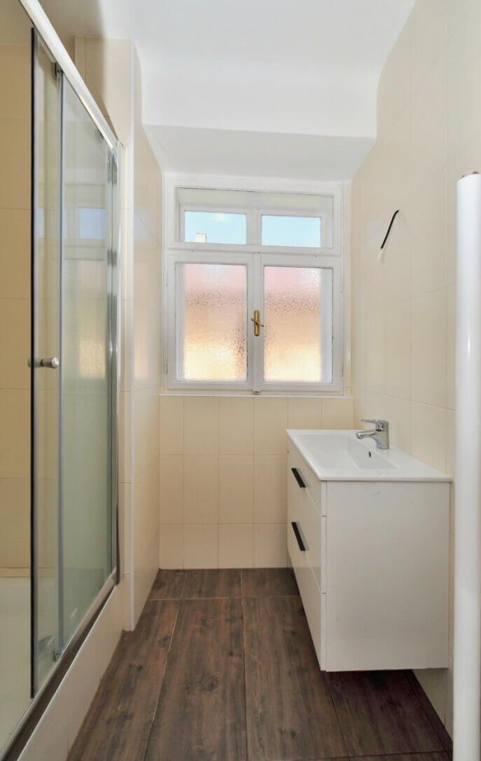 koupelna, umyvadl, sprchový kout